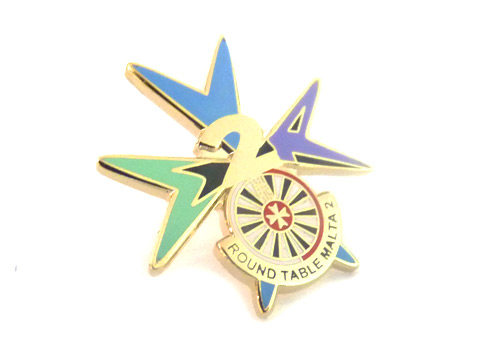 custom round table enamel badges